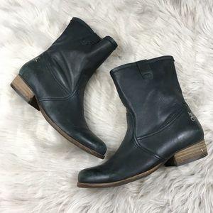 OTBT Farmington boots in black size 7.5